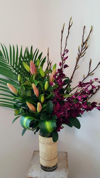 Wandin Florist Lux Lilly Flower Arrangement